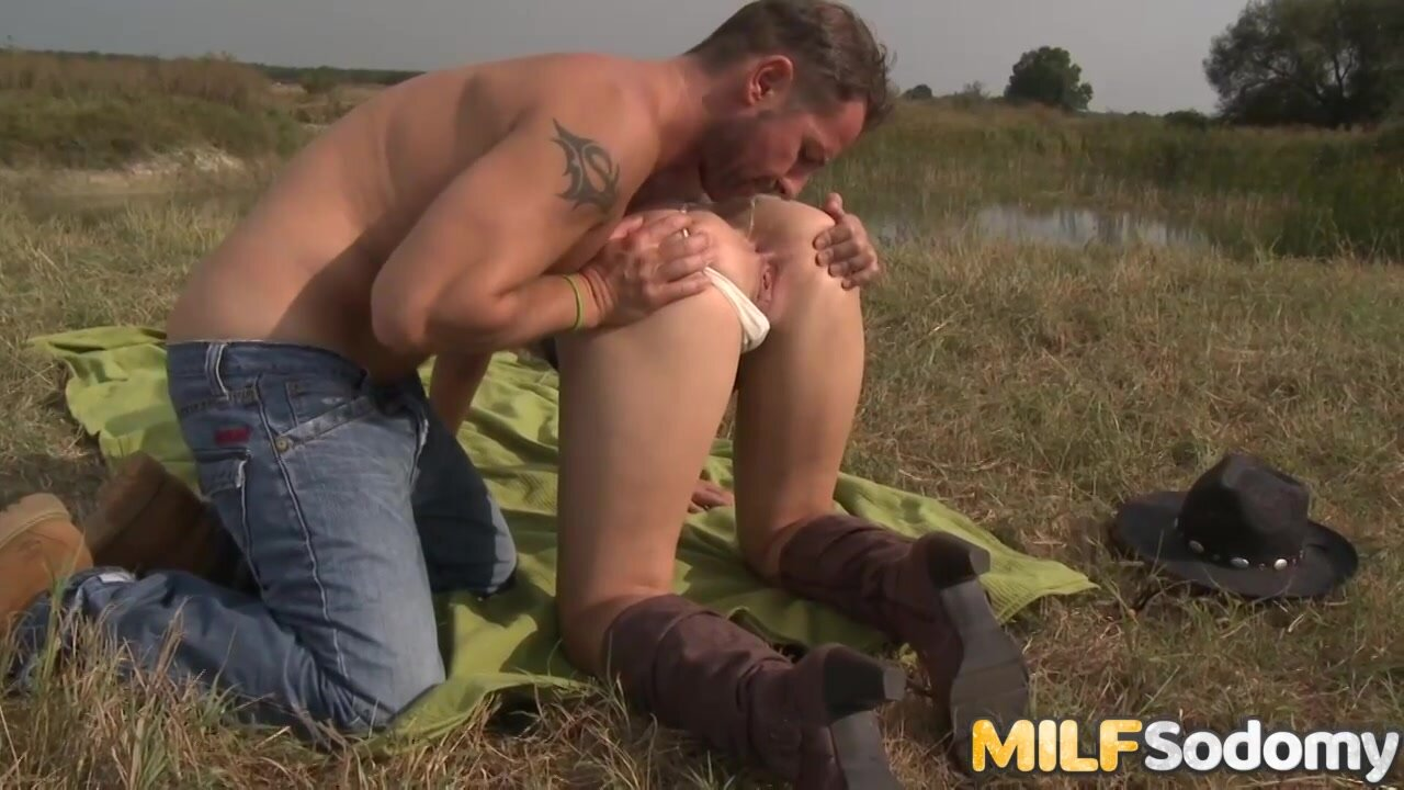 Alice Romain is a dirty minded chick who likes to have sex in the nature