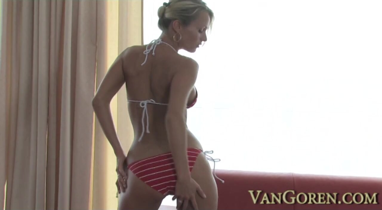 Sexy Young Mom Plays With Cock - Laura Crystal