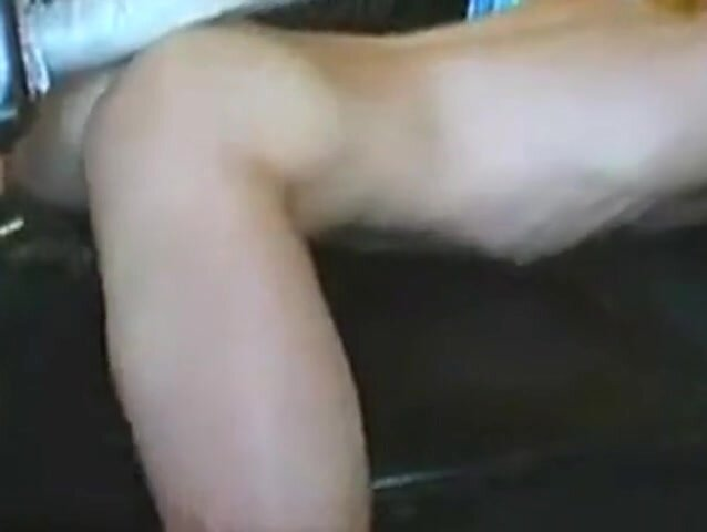 Twink with a Bigg Dildo 2